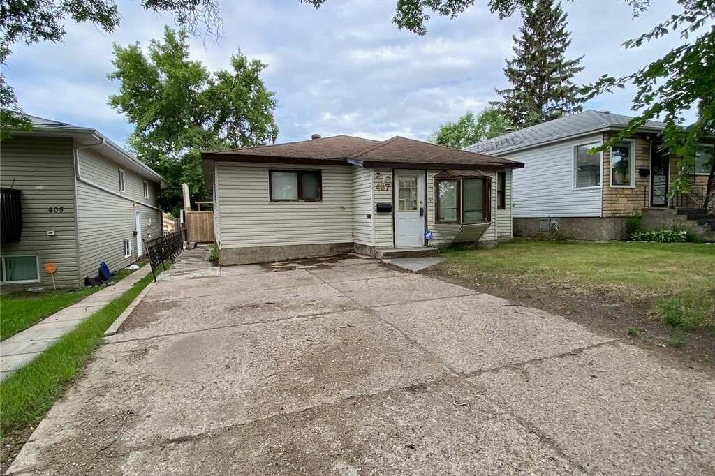 House for sale at 407 L Ave N Saskatoon Saskatchewan - MLS: SK815681