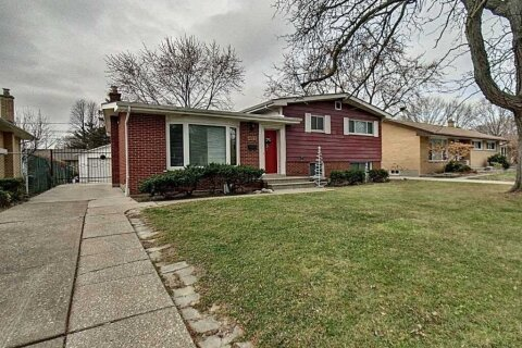 House for sale at 4075 Longfellow Ave Windsor Ontario - MLS: X4997002