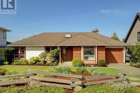 House for sale at 4076 Malton Ave Victoria British Columbia - MLS: 410529