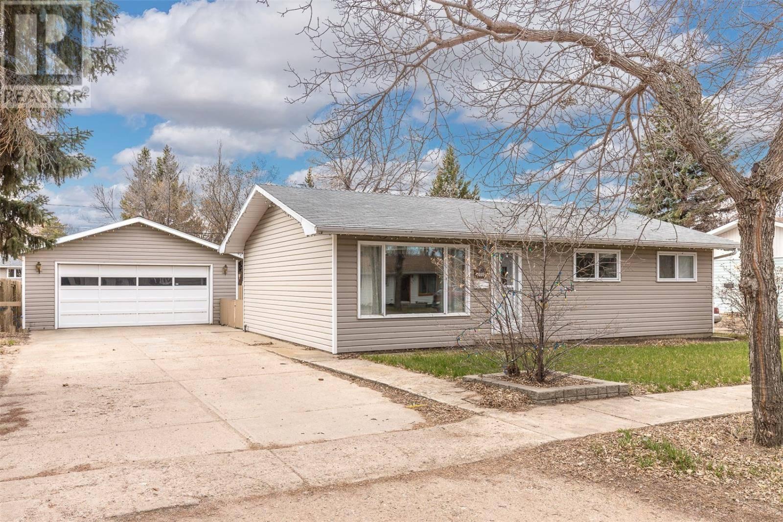 House for sale at 408 1st St E Langham Saskatchewan - MLS: SK770866