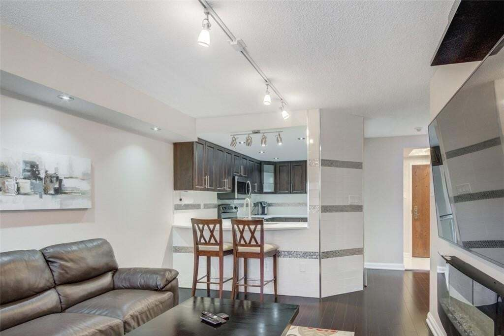 Condo for sale at 24 Hanover Rd Unit 408 Brampton Ontario - MLS: H4083676