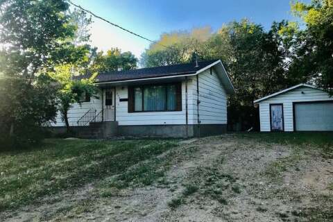 House for sale at 408 Boscurvis Ave Oxbow Saskatchewan - MLS: SK798306