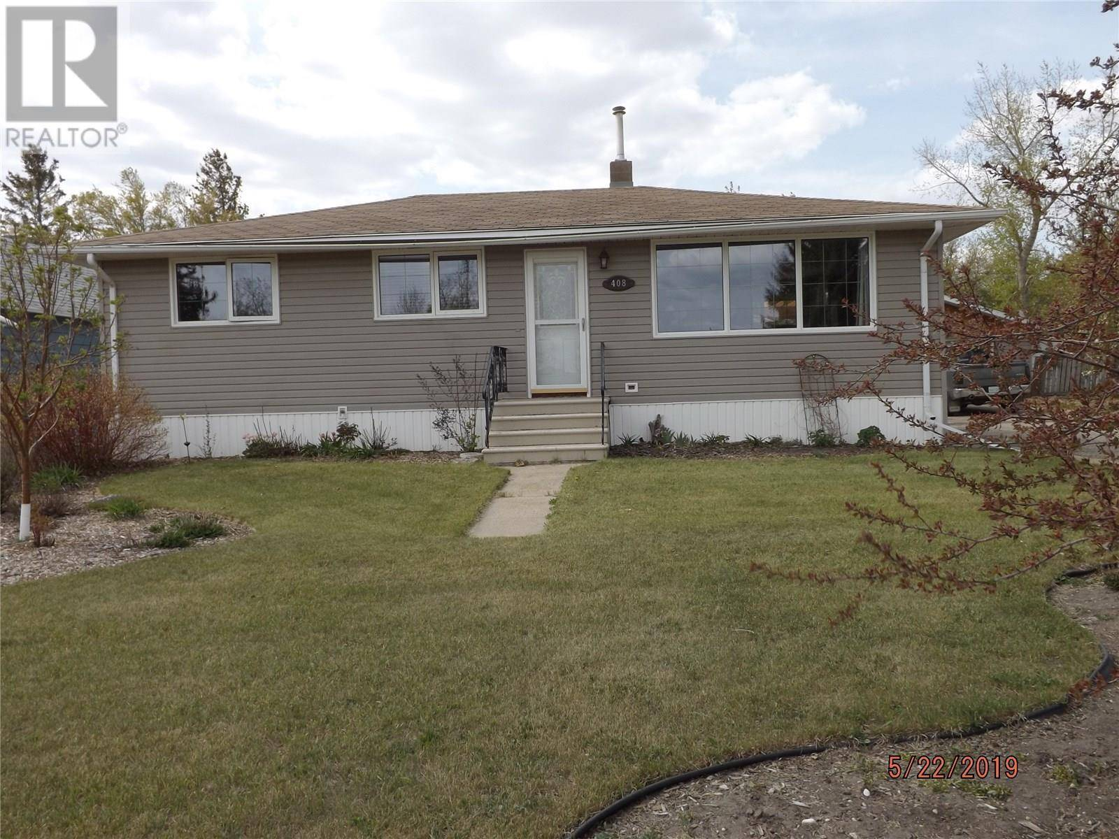 House for sale at 408 Main St Stoughton Saskatchewan - MLS: SK772966