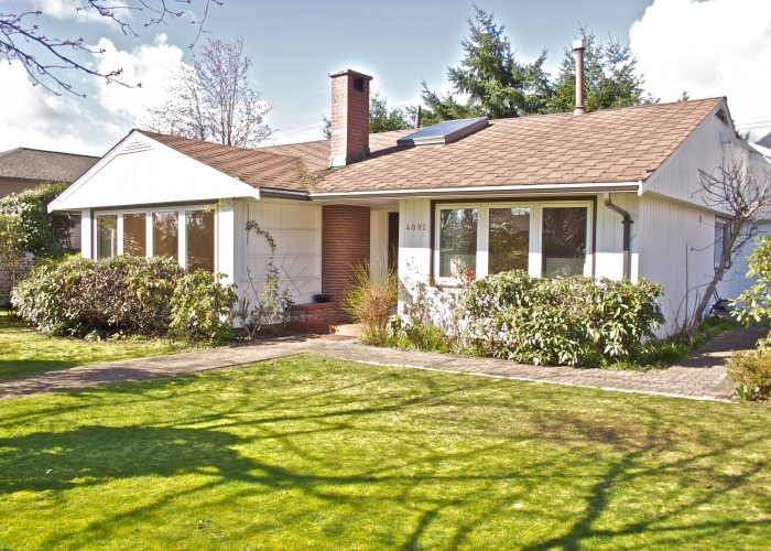 For Sale: 4082 Sunnycrest Drive, North Vancouver, BC | 3 Bed, 2 Bath House for $2,680,000. See 11 photos!