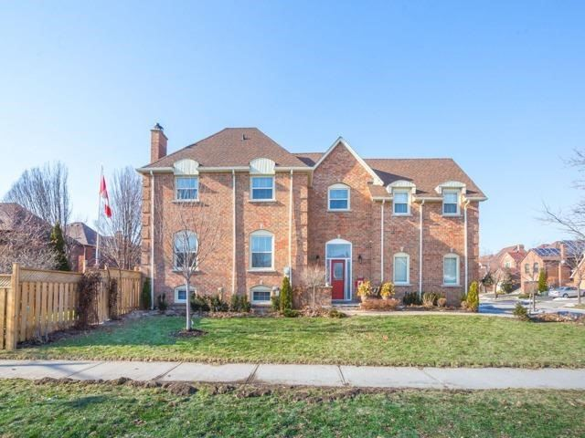 For Sale: 4088 Lastrada Heights, Mississauga, ON | 3 Bed, 3 Bath House for $988,888. See 20 photos!