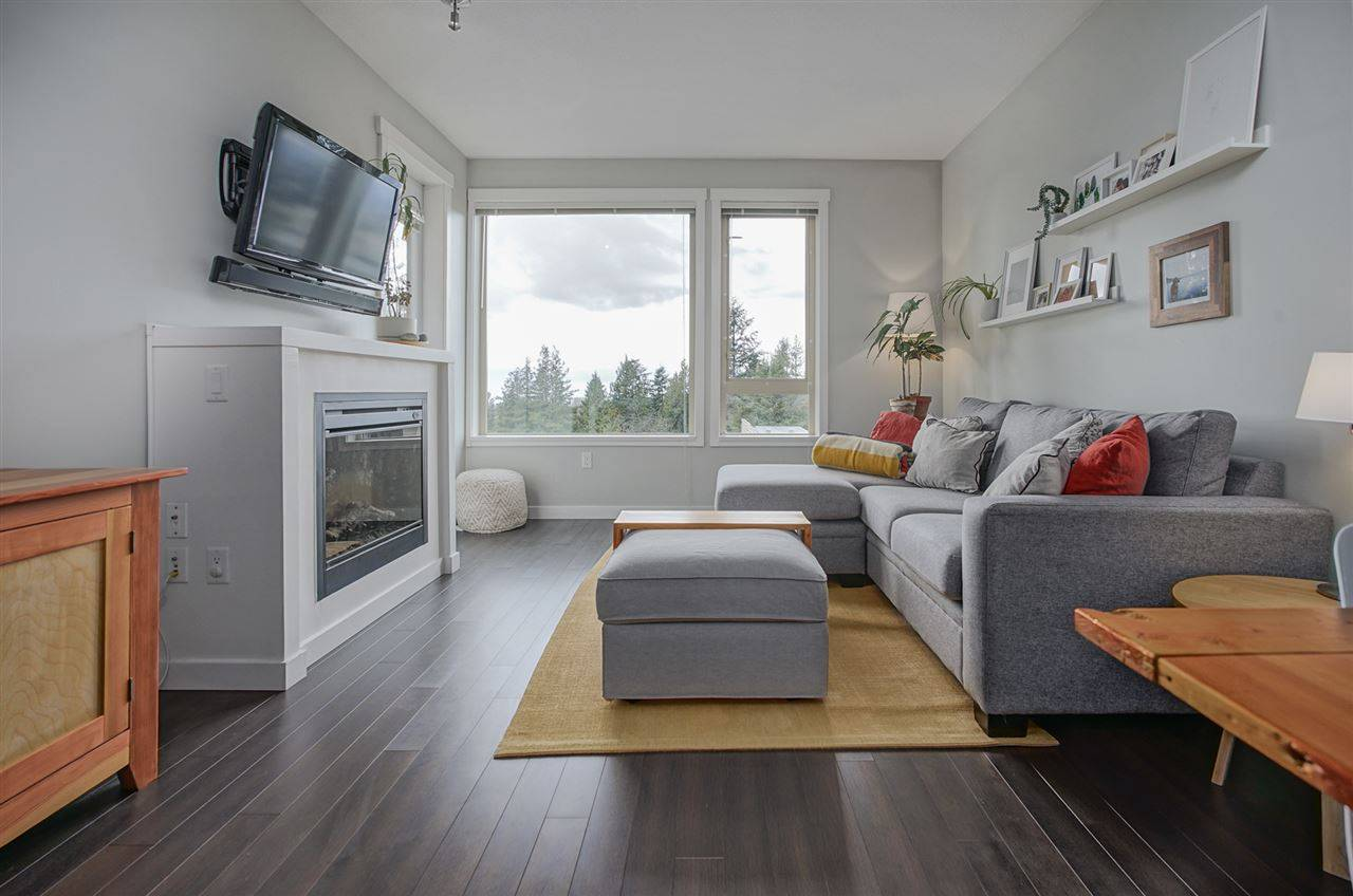 Buliding: 139 West 22nd Street, North Vancouver, BC