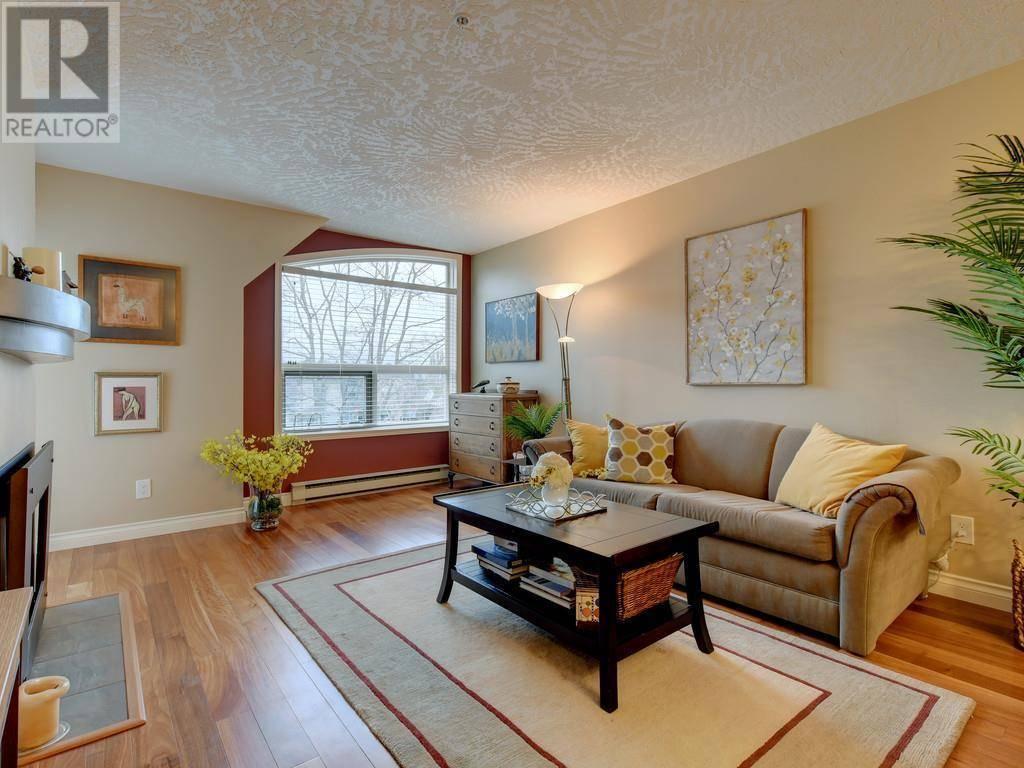 Condo for sale at 1715 Richmond Ave Unit 409 Victoria British Columbia - MLS: 420202