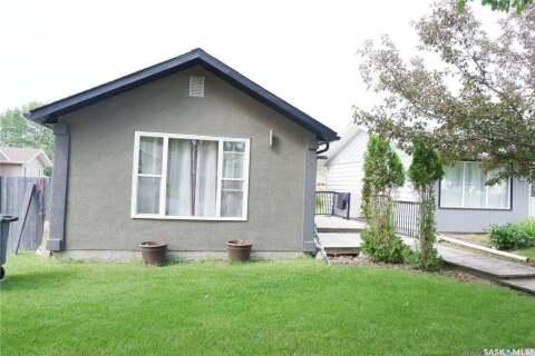 House for sale at 409 3rd Ave E Assiniboia Saskatchewan - MLS: SK809954