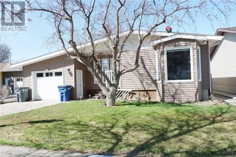 House for sale at 409 7th Ave E Assiniboia Saskatchewan - MLS: SK802781