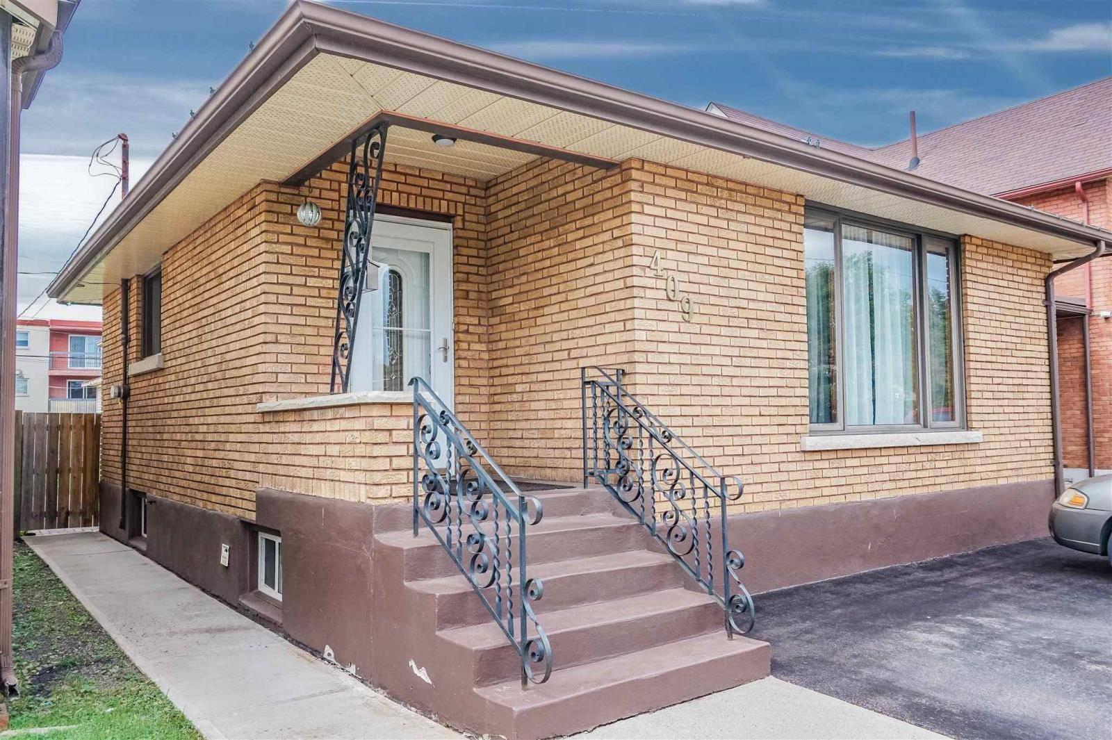 House for sale at 409 Harold St N Thunder Bay Ontario - MLS: TB192987