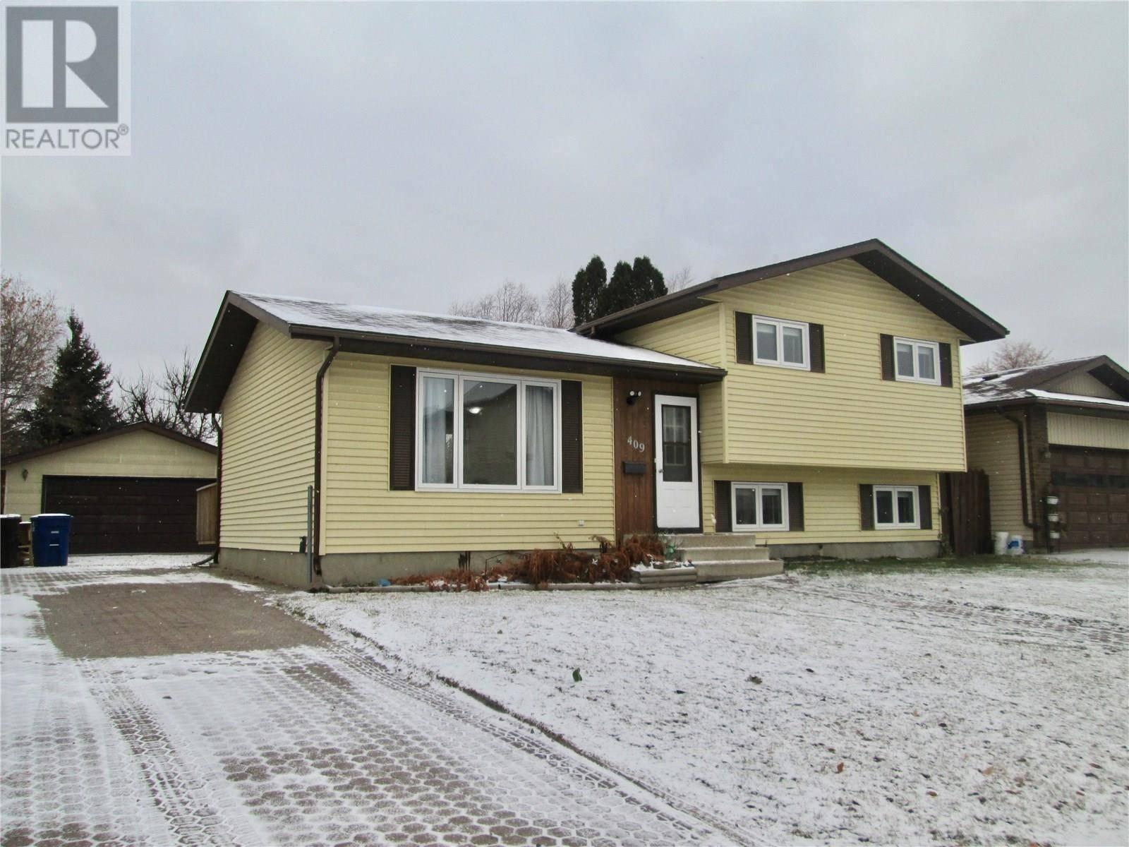 House for sale at 409 Reid Rd Saskatoon Saskatchewan - MLS: SK790121