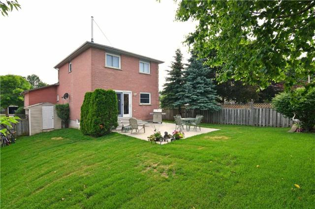 For Sale: 409 Scott Drive, Orangeville, ON | 3 Bed, 2 Bath House for $549,800. See 20 photos!