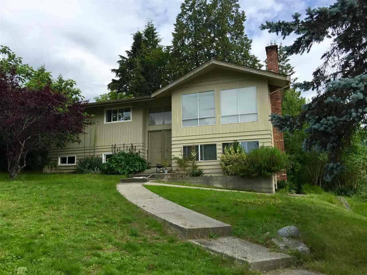 House for rent at 4092 Violet St North Vancouver British Columbia - MLS: R2429608