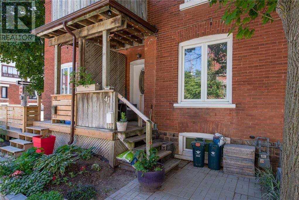 Townhouse for sale at 41 Cedar St North Kitchener Ontario - MLS: 30816440