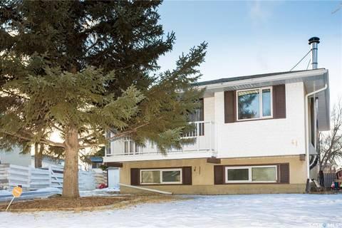 House for sale at 41 Eden Ave Regina Saskatchewan - MLS: SK799675