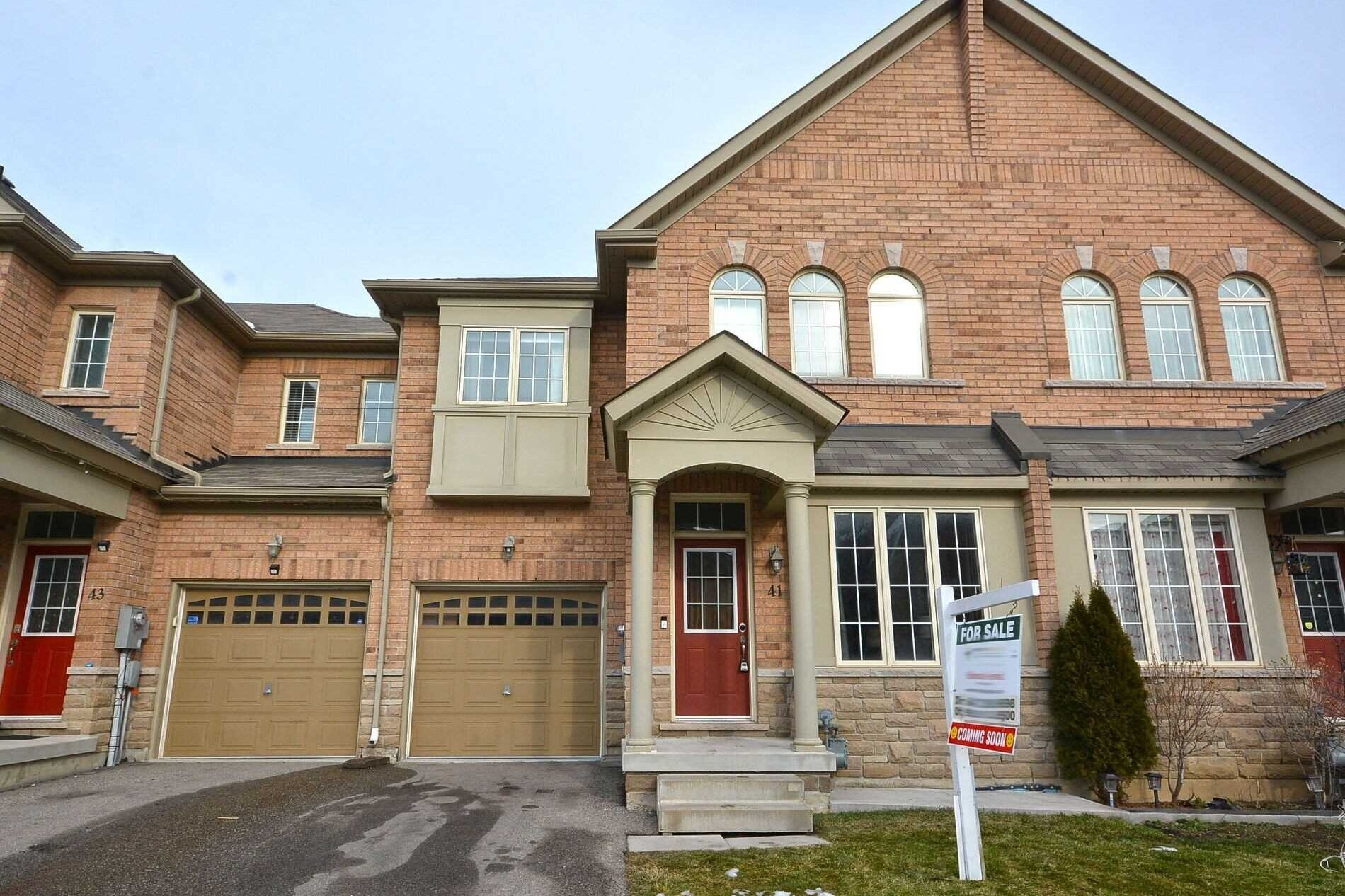 Townhouse for sale at 41 Naperton Dr Brampton Ontario - MLS: W5086193