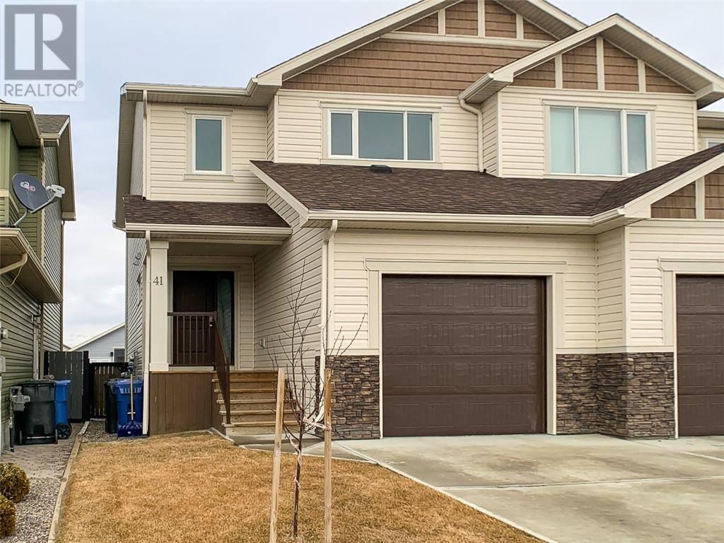 Townhouse for sale at 41 Northlander Rd W Lethbridge Alberta - MLS: ld0190818