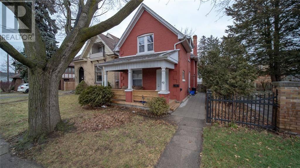 Townhouse for sale at 41 Peel St Brantford Ontario - MLS: 30784800