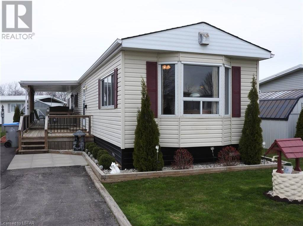 Home for sale at 41 Redford Dr Exeter Ontario - MLS: 256325