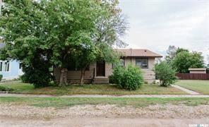 House for sale at 410 4th St W Allan Saskatchewan - MLS: SK804513