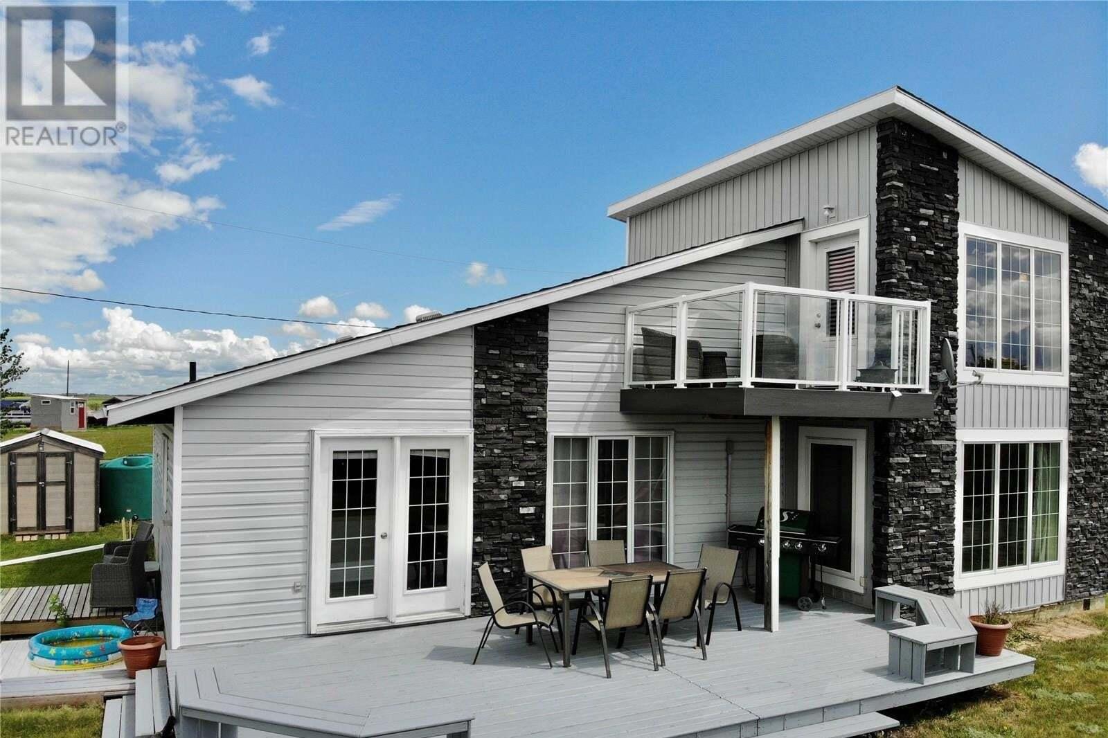 House for sale at 410 Douglas Dr Last Mountain Lake East Side Saskatchewan - MLS: SK817496
