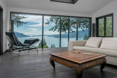 House for sale at 410 Mountain Dr Lions Bay British Columbia - MLS: R2344616