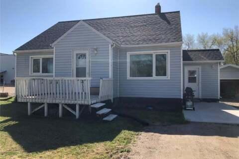 House for sale at 411 1st St E Wynyard Saskatchewan - MLS: SK809811
