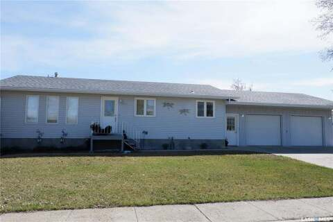 House for sale at 411 6th Ave W Assiniboia Saskatchewan - MLS: SK803194