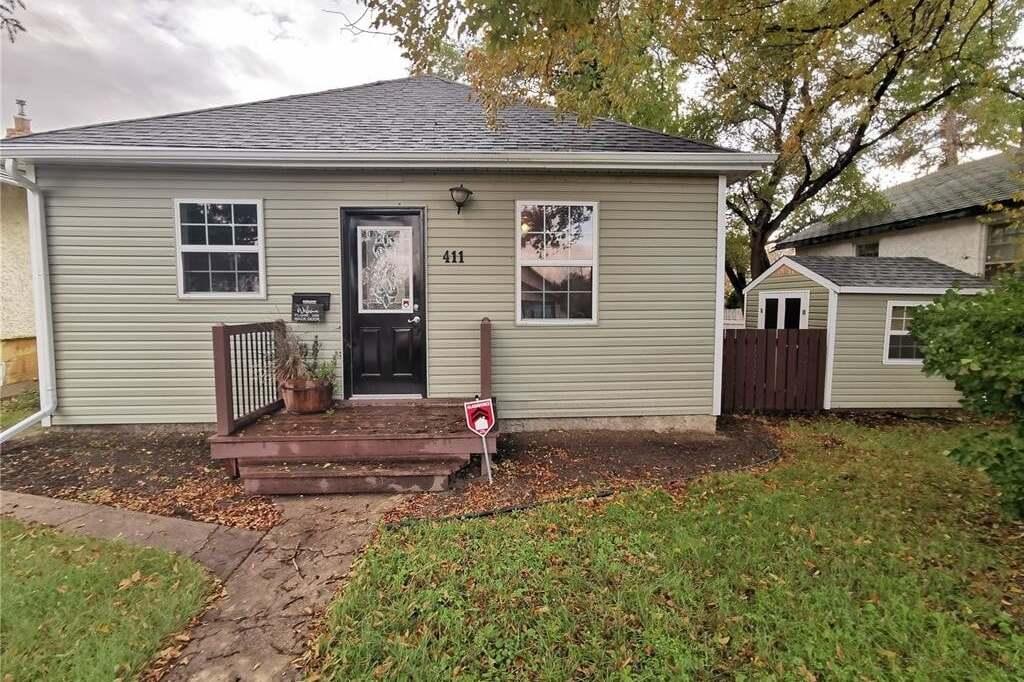 House for sale at 411 Coteau St W Moose Jaw Saskatchewan - MLS: SK809916