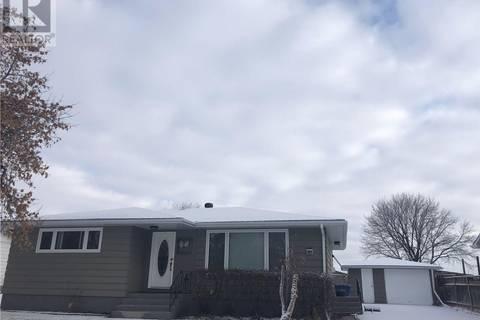 House for sale at 411 East Dr Esterhazy Saskatchewan - MLS: SK768868
