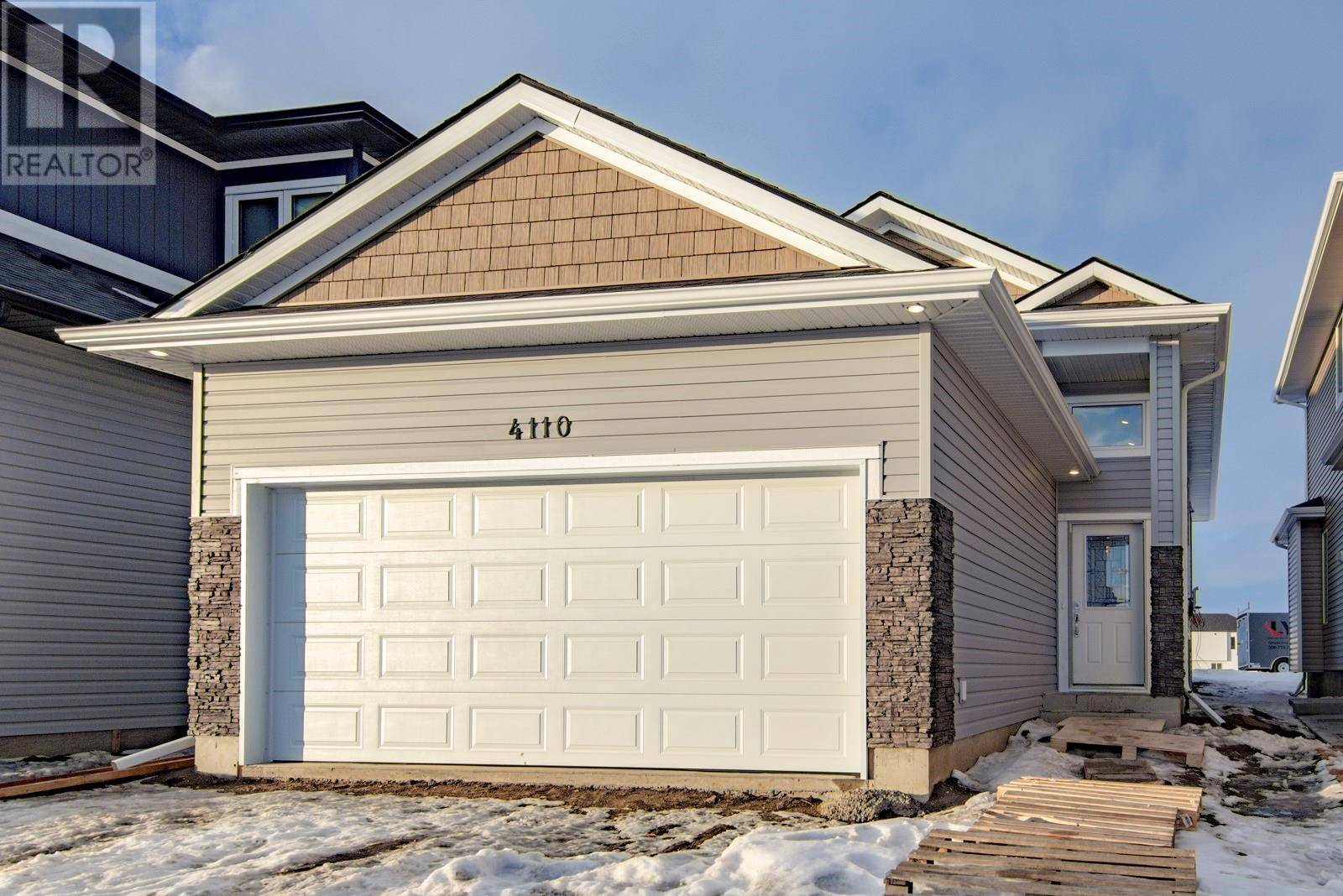 House for sale at 4110 Diefenbaker Dr Saskatoon Saskatchewan - MLS: SK778551