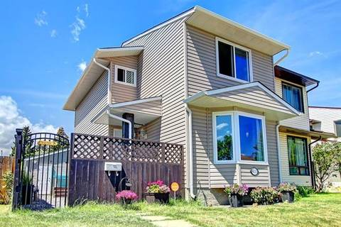 Townhouse for sale at 4111 58 St Northeast Calgary Alberta - MLS: C4252909