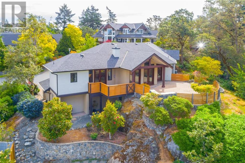 Removed: 4115 Rogers Ridge, Victoria, BC - Removed on 2019-12-27 04:36:11