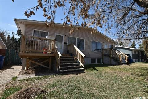 Townhouse for sale at 412 3rd St E Delisle Saskatchewan - MLS: SK803035