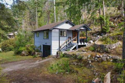 House for sale at 4122 Francis Peninsula Rd Madeira Park British Columbia - MLS: R2484335