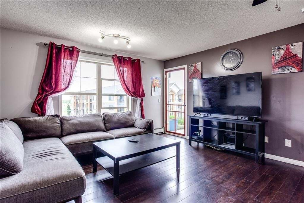 Condo for sale at 2000 Applevillage Co SE Unit 413 Applewood Park, Calgary Alberta - MLS: C4302923