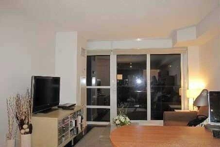 Apartment for rent at 761 Bay St Unit 413 Toronto Ontario - MLS: C5080987