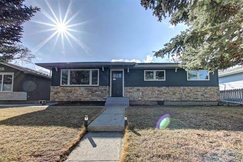 House for sale at 413 Astoria Cres Southeast Calgary Alberta - MLS: C4236945