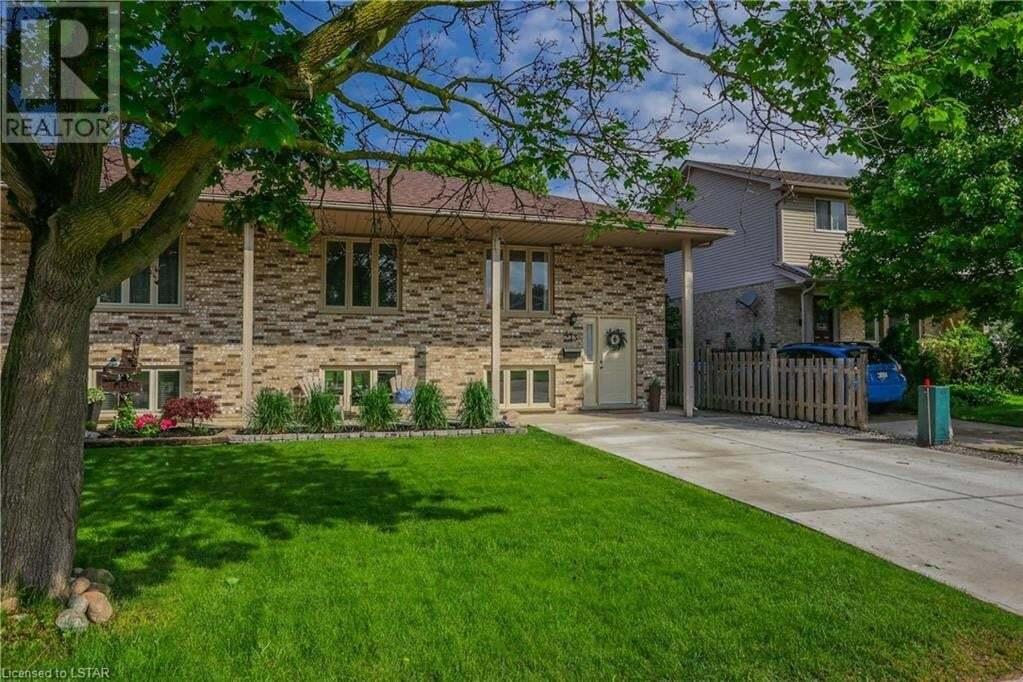 Home for sale at 413 Scott St E Strathroy Caradoc (munic) Ontario - MLS: 263033