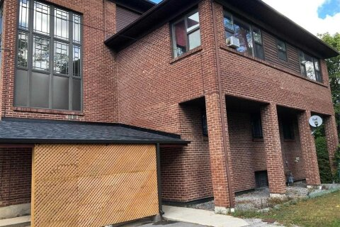 Townhouse for rent at 4130 Lawrence Ave Toronto Ontario - MLS: E4941257