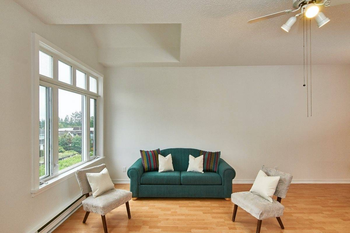 Buliding: 121 West 29th Street, North Vancouver, BC