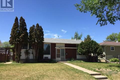 House for sale at 414 4th Ave SE Swift Current Saskatchewan - MLS: SK775791
