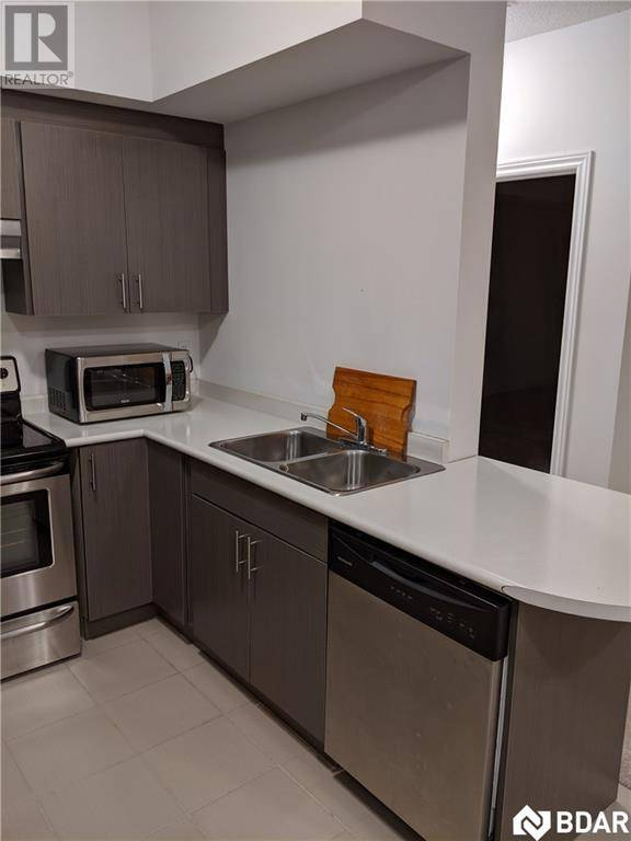 Apartment for rent at 720 Yonge St Unit 414 Barrie Ontario - MLS: 30789714