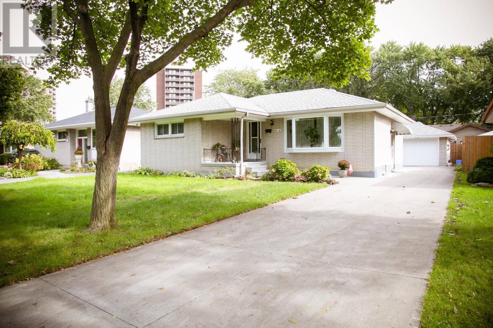 414 Lori Street, Windsor | Image 2
