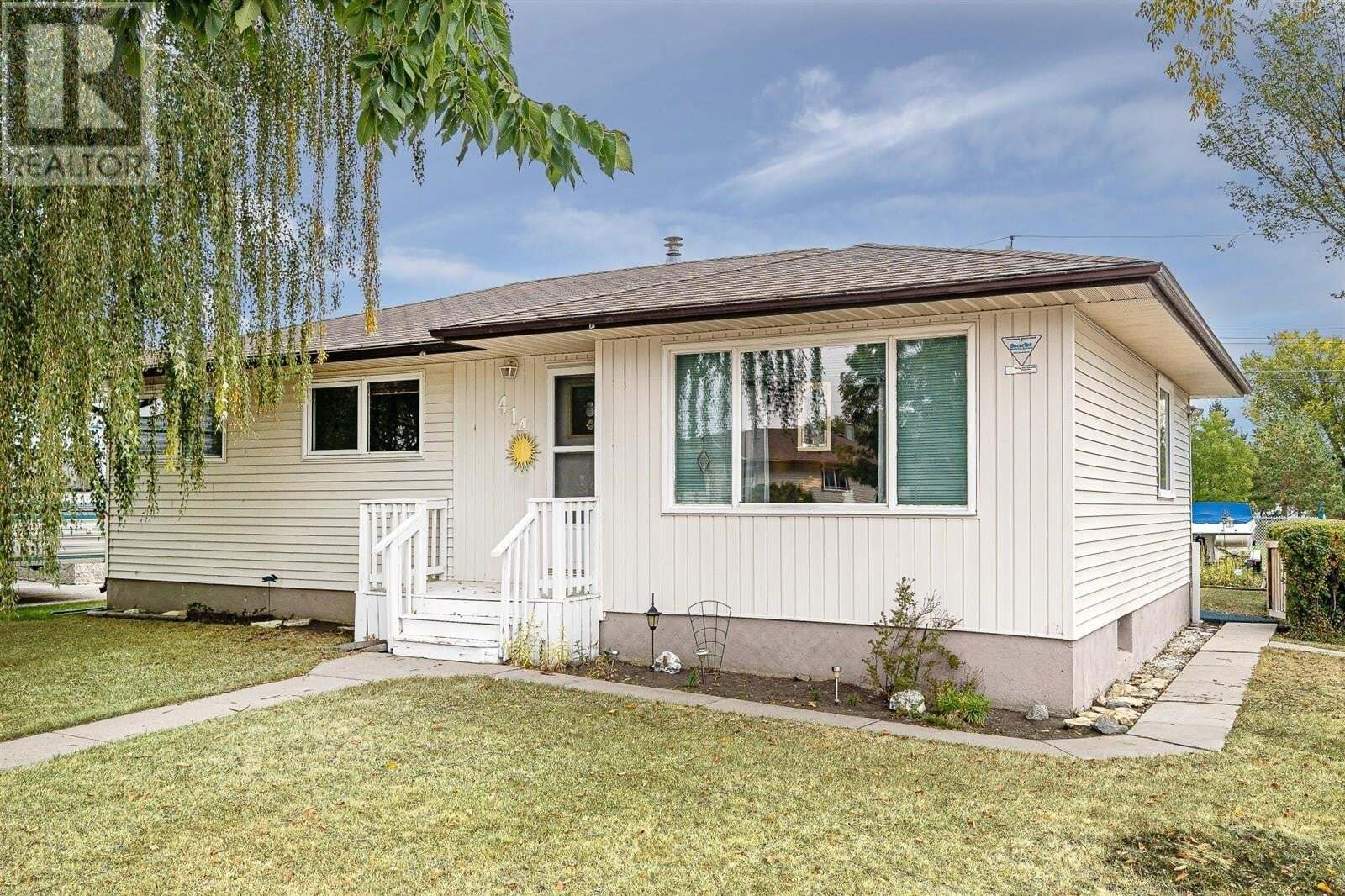 House for sale at 414 Winnipeg Ave S Saskatoon Saskatchewan - MLS: SK827007