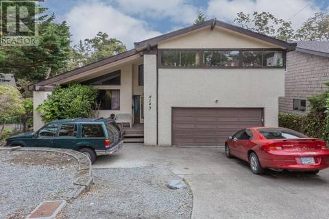 House for sale at 4143 Cedar Hill Rd Victoria British Columbia - MLS: 413176