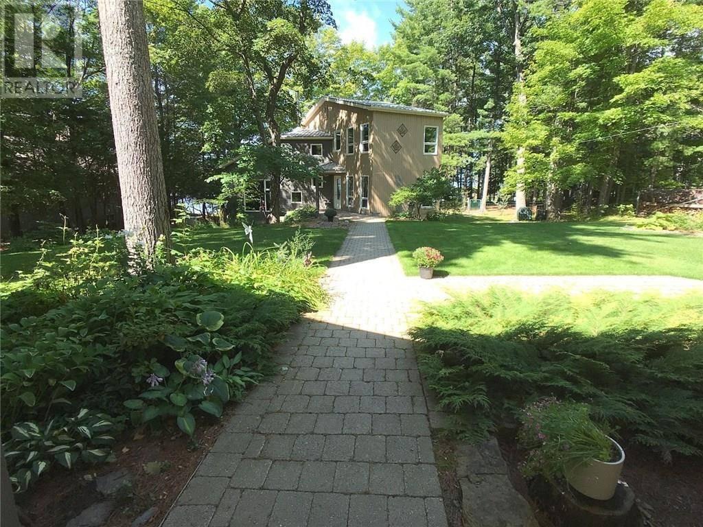 4146 Armitage Avenue, Dunrobin | Image 1