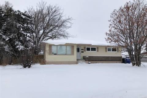 House for sale at 415 1st St E Meadow Lake Saskatchewan - MLS: SK797645
