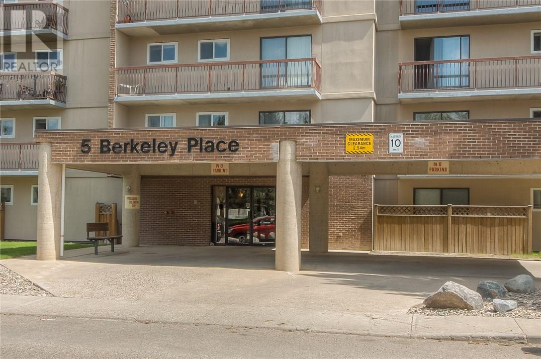 For Sale: 5 Berkeley Place West, Lethbridge, AB   1 Bed, 1 Bath Condo for $115,000. See 22 photos!