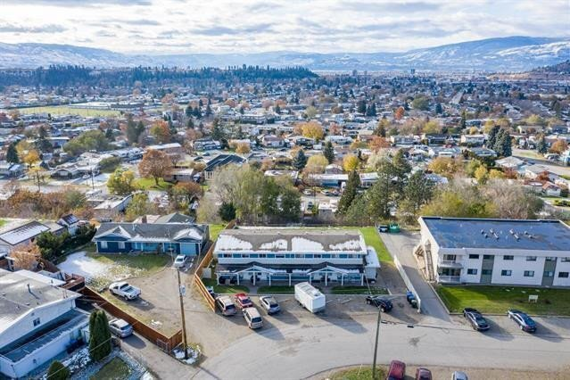 Townhouse for sale at 415 Holbrook Rd West Kelowna British Columbia - MLS: 10218864